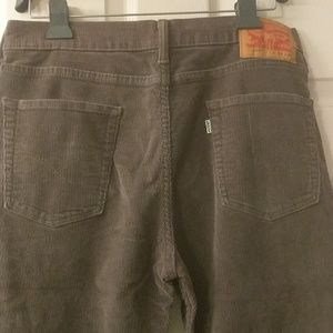Men's Levi 514 33-32 grey corduroy jeans